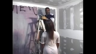 Ebony enceinte lady  Amber Kelly  persuaded construction worker doing interior works to polish her pussy with his massive tools